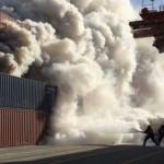 AK1 : De la fumée se dégage d'un conteneur à Saint Nazaire