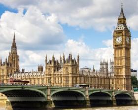 cloche-Big-Ben-symbolise-ville-Londres-cessera-sonner-partir-21_0_729_498